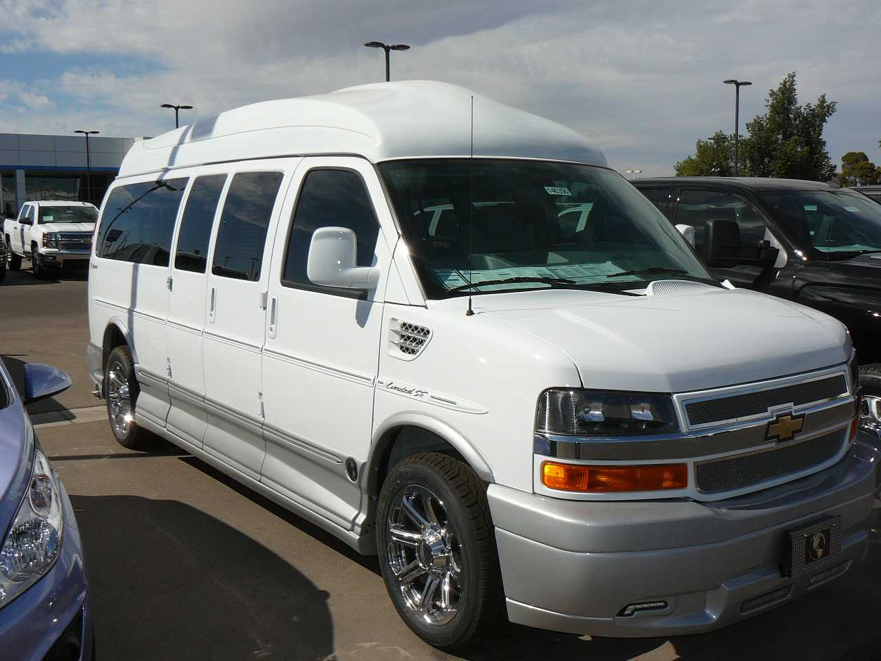 2014 Explorer Van Conversion CHEVROLET EXPRESS Explorer Van White
